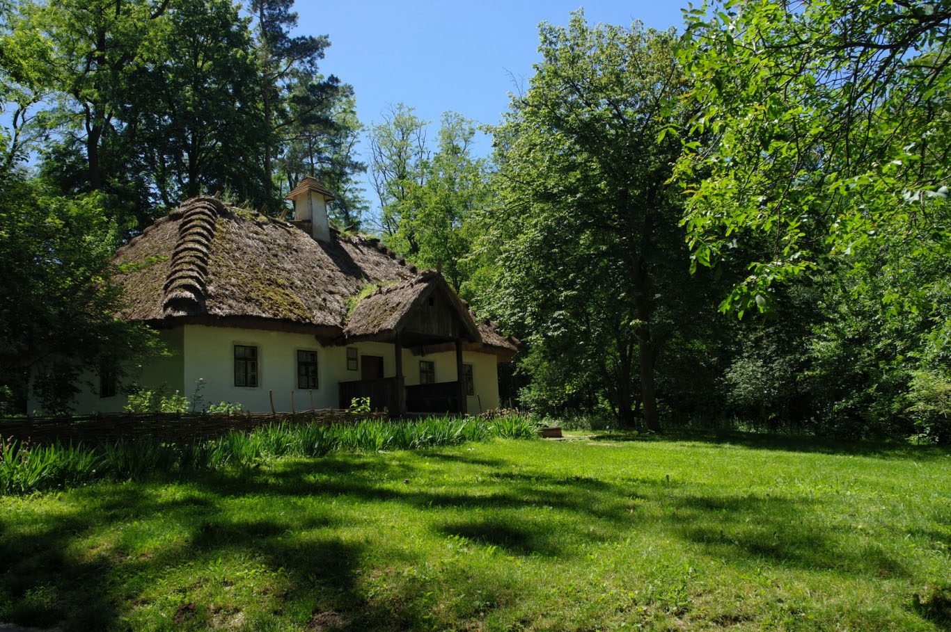 Тарасова гора - могила відомого українця Тараса Шевченка, фото